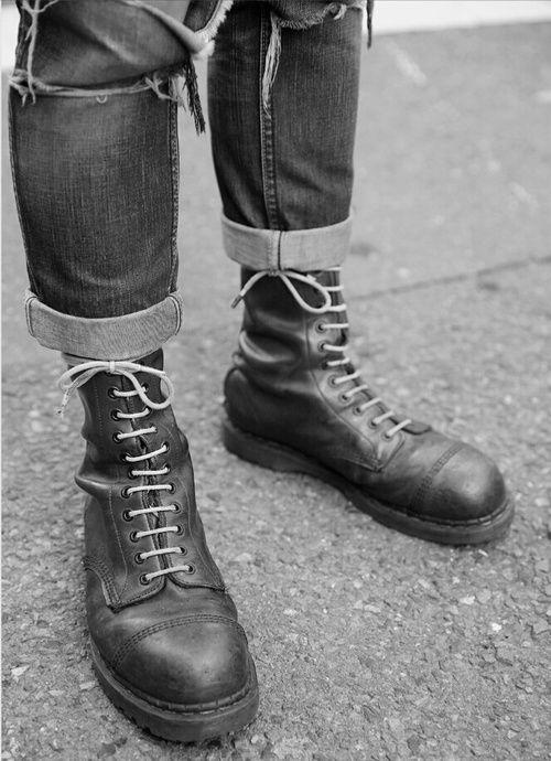 34bdbf59c55c Картинка с тегом «punk, skinhead, and solovair boots»   CH   Ognezar ...