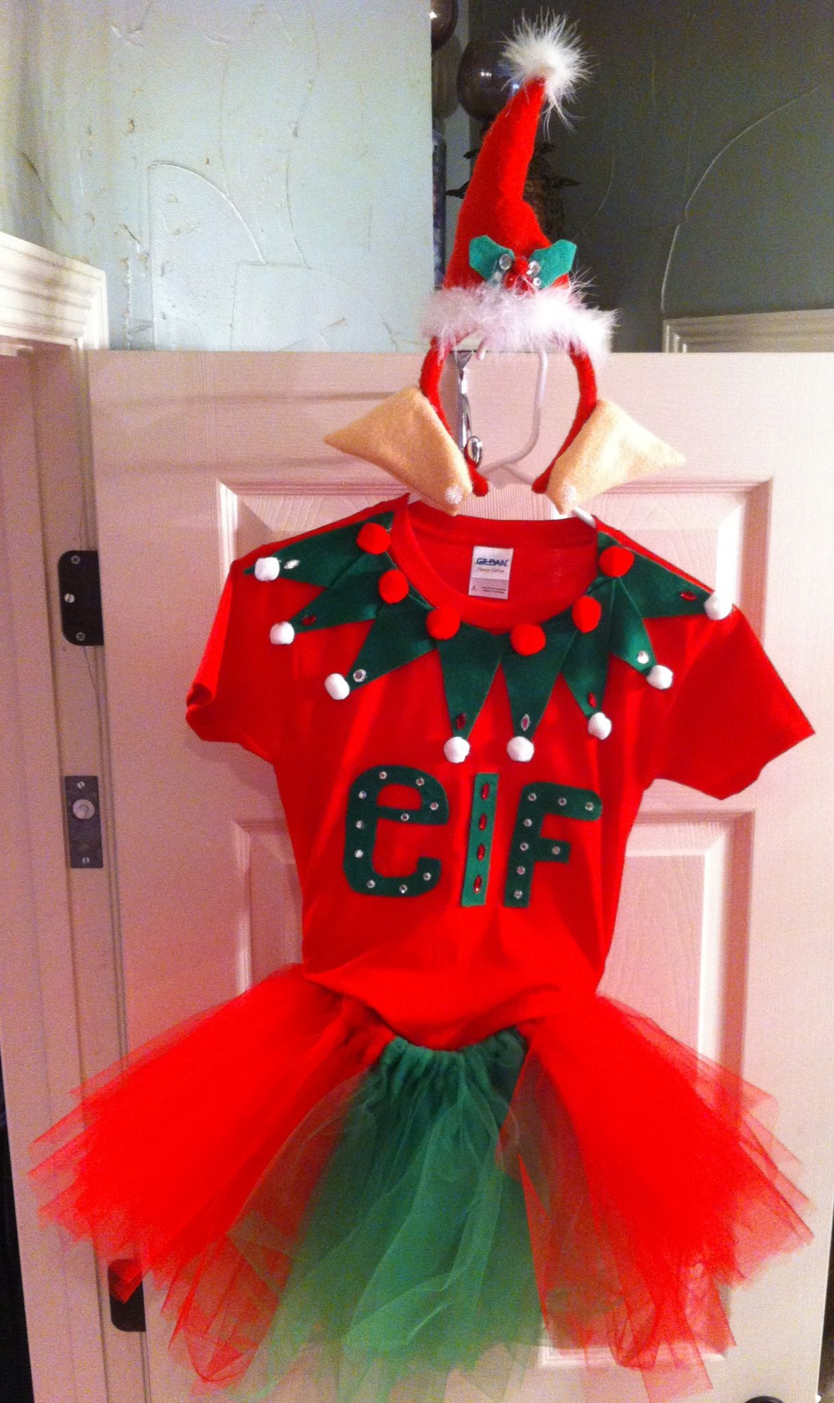 Made my daughter an awesome (if I do say so myself) Elf ...