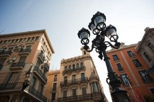 Barcelona streets http://www.apartmentbarcelona.com/blog/2015/11/30/top-10-travel-tips/