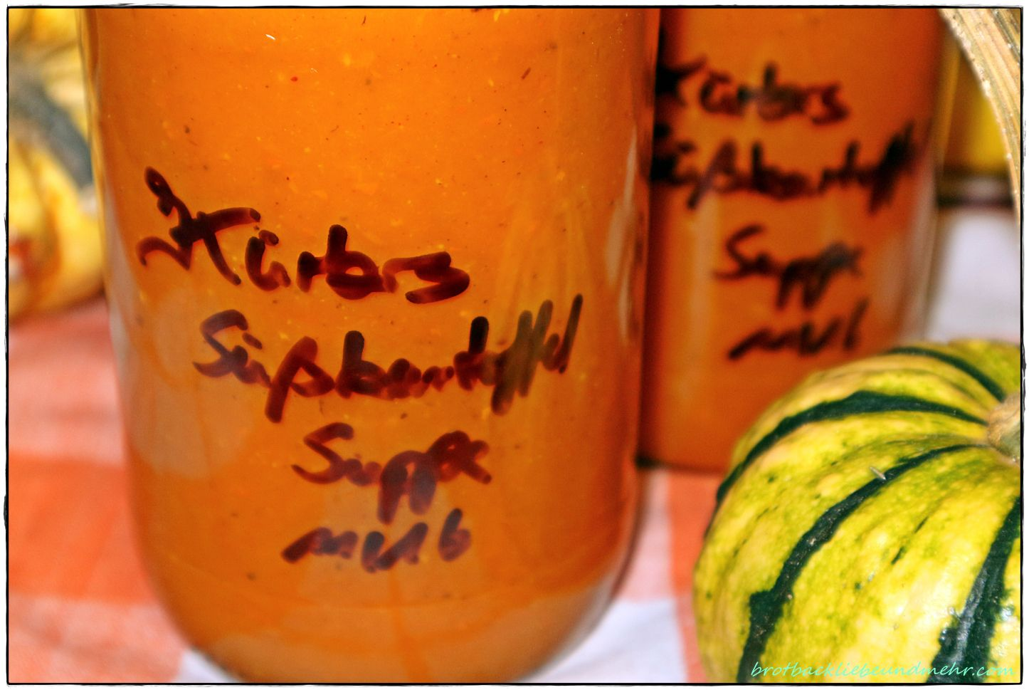 Kürbis-Süßkartoffel-Suppe (auch gut zum Einwecken) - Brotbackliebe ... und mehr