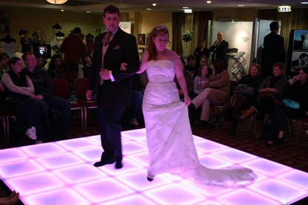 White, lighted dance floor  eastcoastwedding.blogspot.com