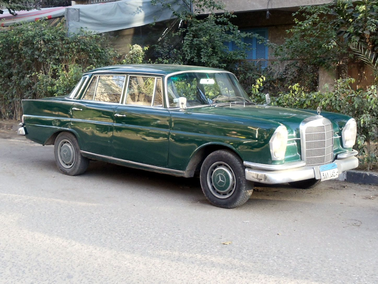 Vintage cars classic cars mercedes benz i spy egypt for Mercedes benz automobiles