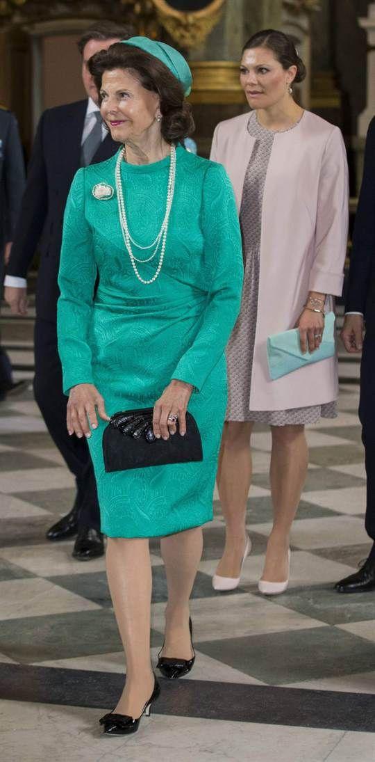 Drottning SilviaSuperchic! Det är ordet som bäst beskriver vår vackra drottning i den här turkosa stassen
