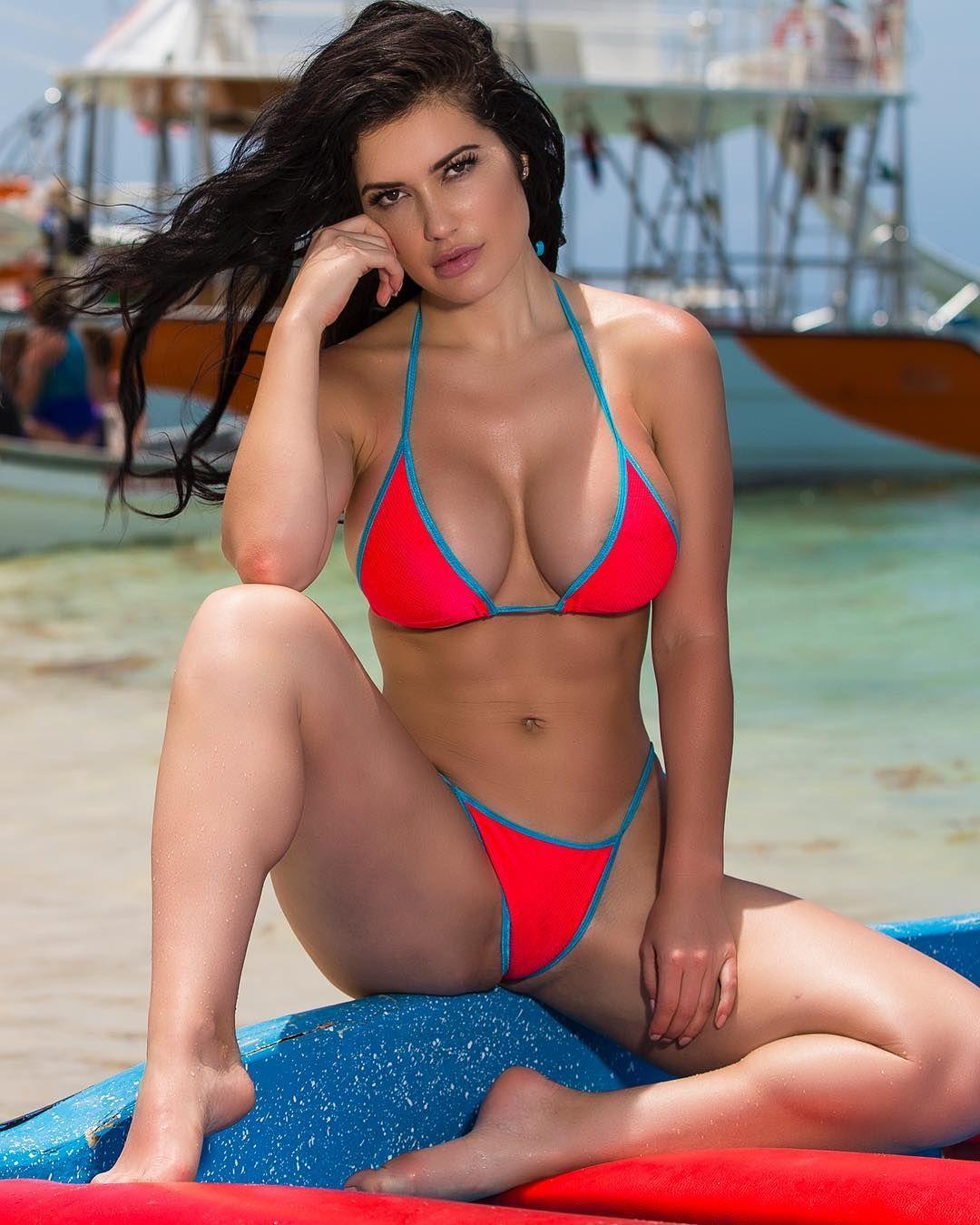 Sideboobs Gabriela Iliescu nude photos 2019