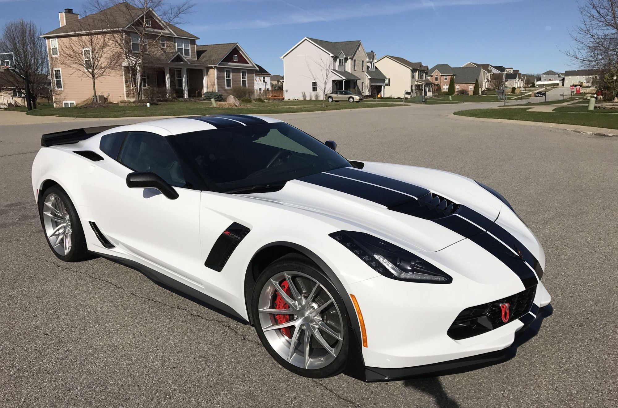 Screaming Of Power White Corvette Z06 With Black Accents White