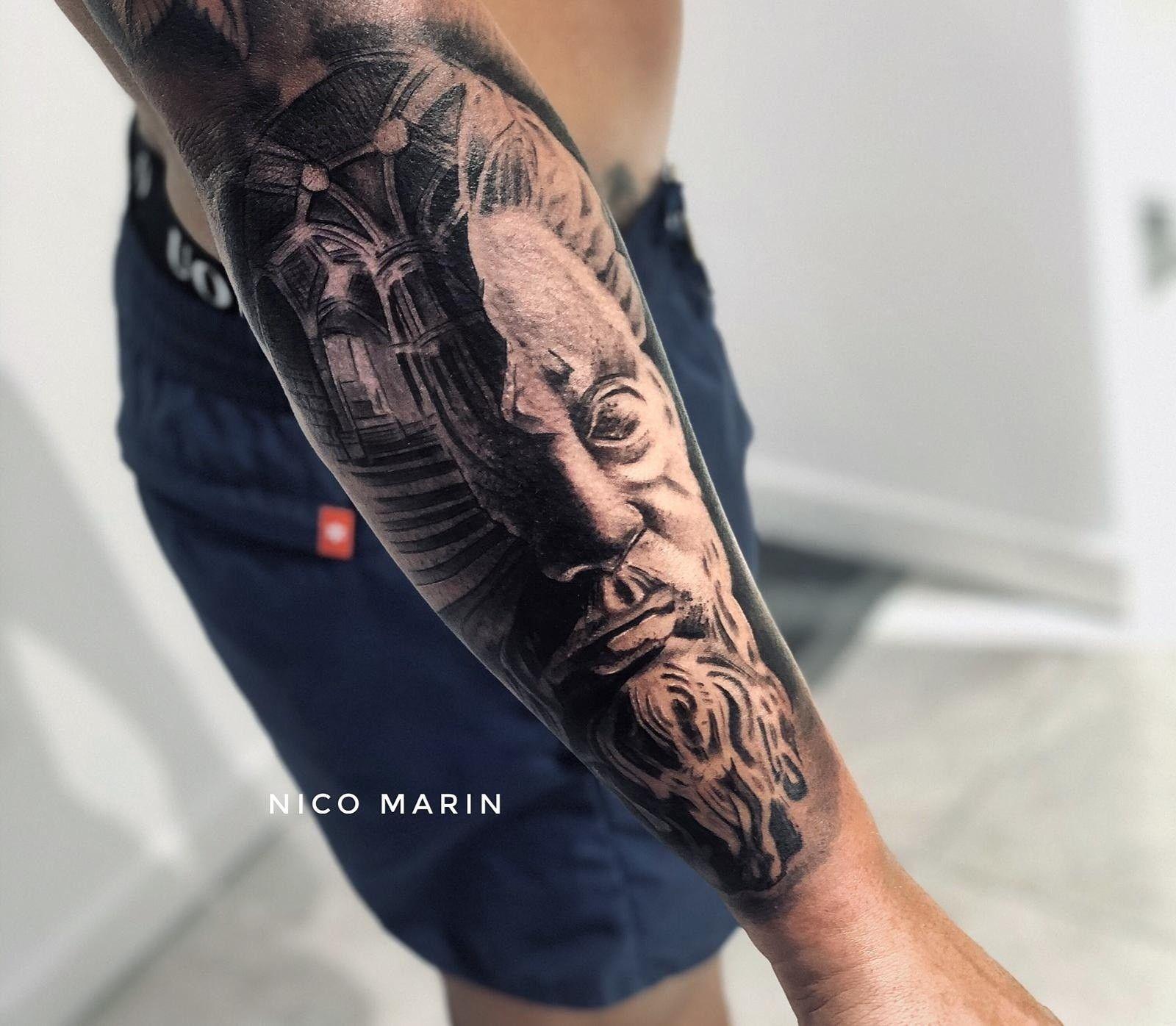 Escultura tattoo #blackandgrey