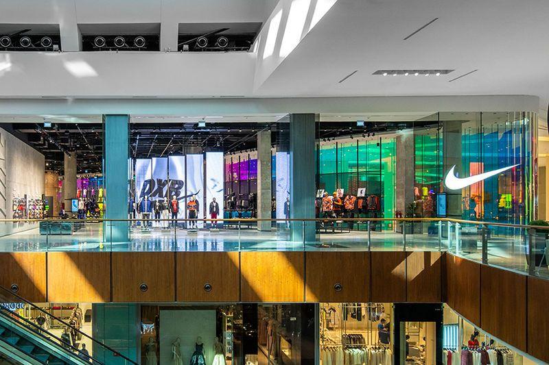 Community Enhancing Sports Goods Retailers Dubai Mall Nike Retail Nike