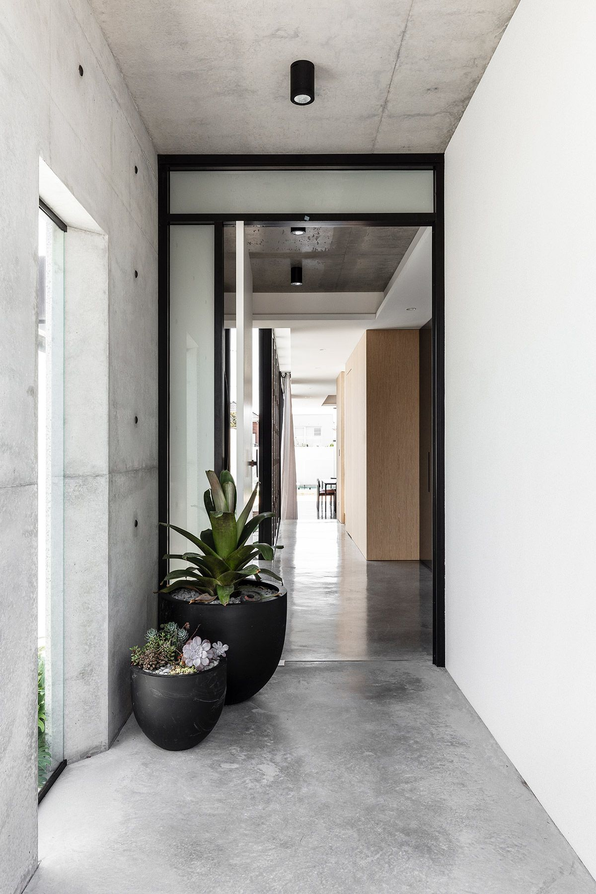 Clovelly House | Mark Shapiro Architects | Hunting for George