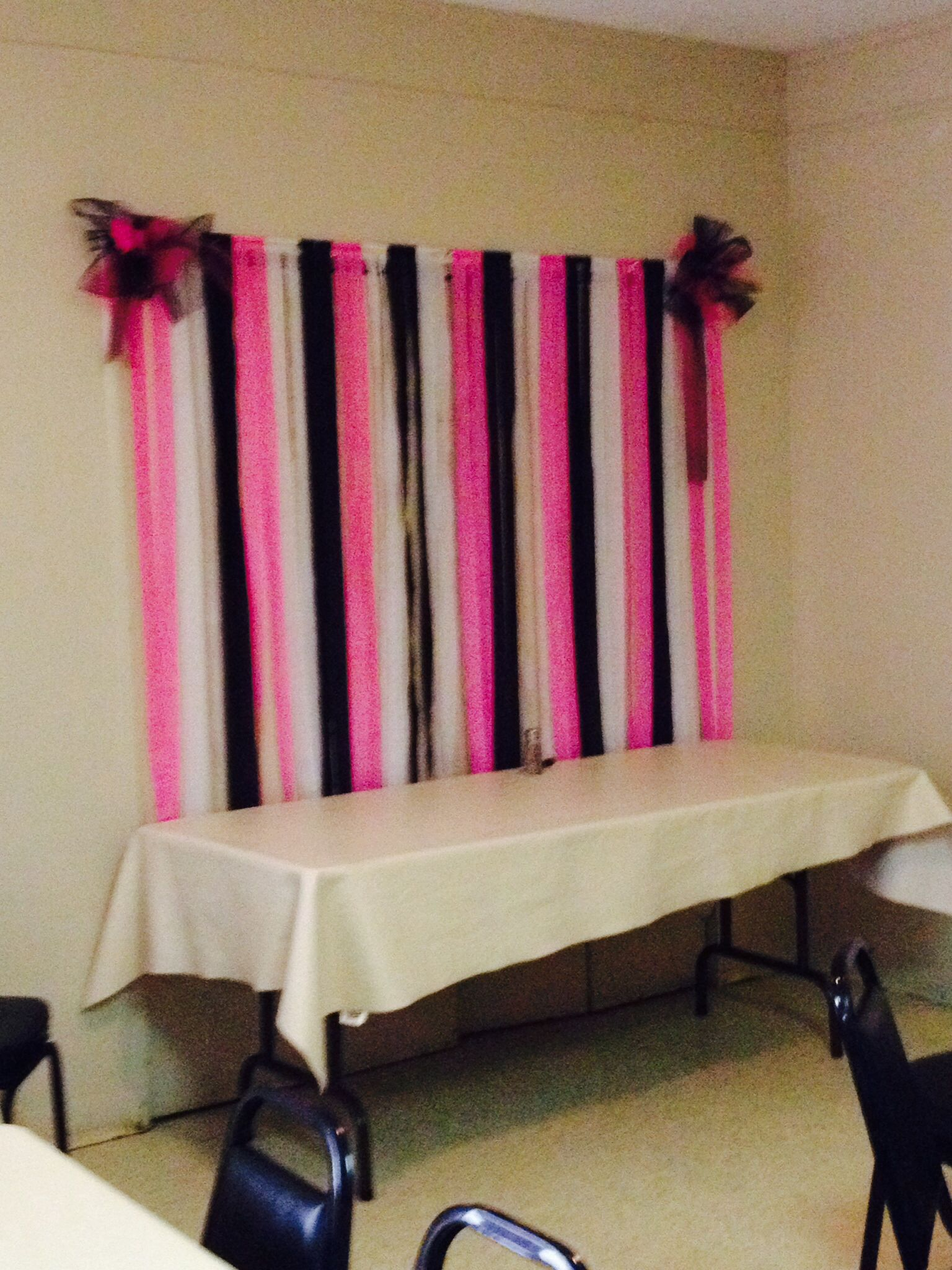 Minnie Mouse Colors Background For The Gift Table. Streamers Attached To  Wooden Dowel. Bows