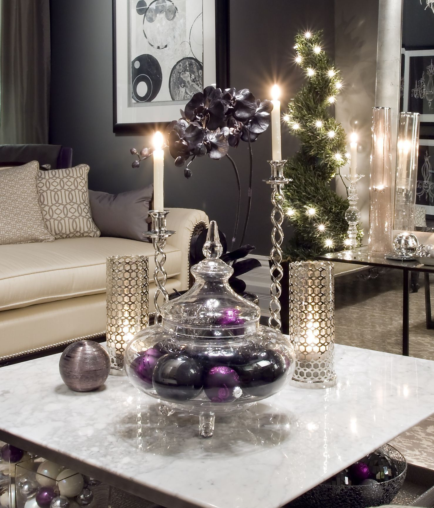Elegant Living Room Interior For Christmas With Granite Coffee Table Top Decora Glass Coffee Table Decor Christmas Coffee Table Decor Coffee Table Centerpieces