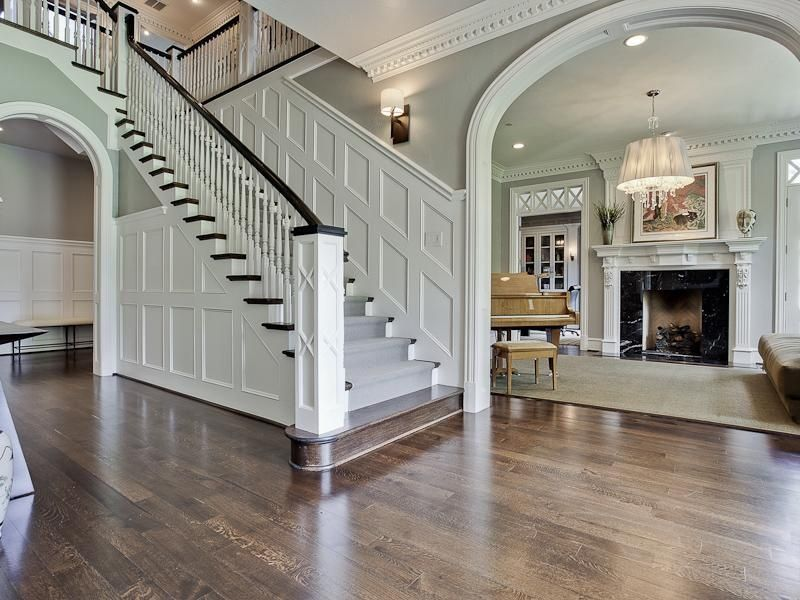 Best Traditional Staircase With High Ceiling Hardwood Floors 400 x 300