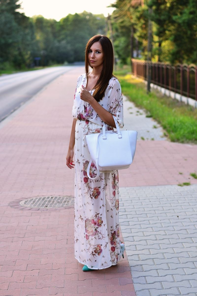 Zara Dress via Let's do the catwalk ladies.