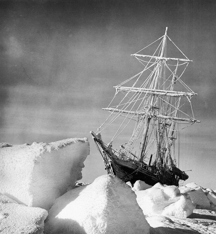 Real hard-core sailing:   South with Endurance: Shackleton's Antarctic Expedition 1914-1917  The Photographs of Frank Hurley