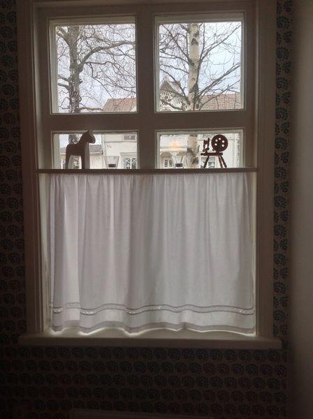 lägga upp gardiner
