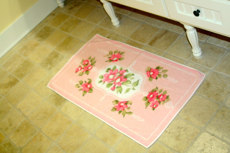 Sweet Vintage Bathroom Rug Retro Pink Bathroom Floral