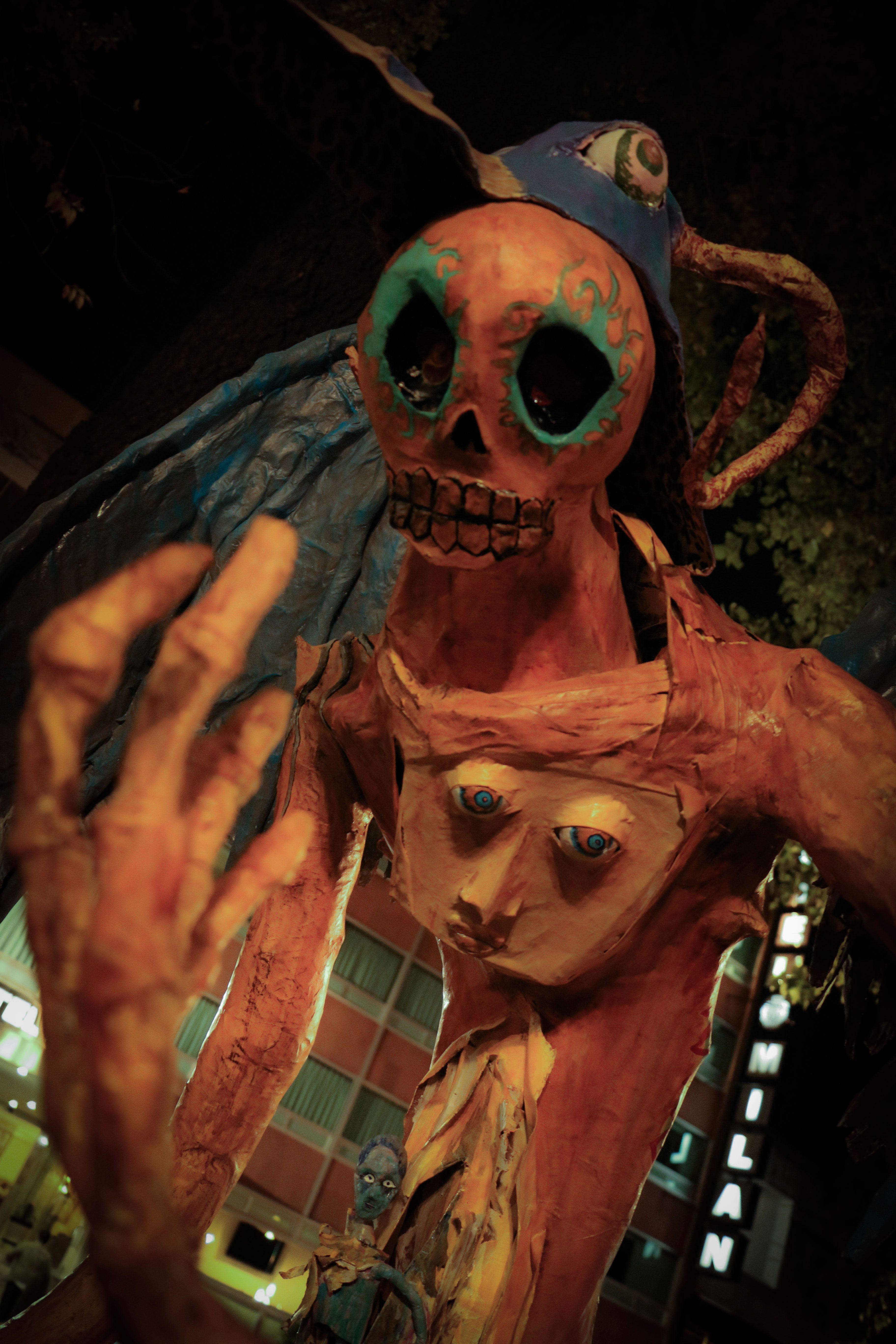 #alebrijes #mexico #diademuertos #calaveras #scull #sculls #mexicanart #mexican #latin #mexicocity #alebrijesreforma #folkart #adrianadreves #dreves #monster #dragon #nightmare #remediosvaro