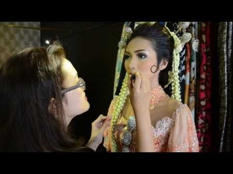 Paes Ageng Alexandra Laurine Makeup Youtube Youtube Makeup Hair Styles Beauty