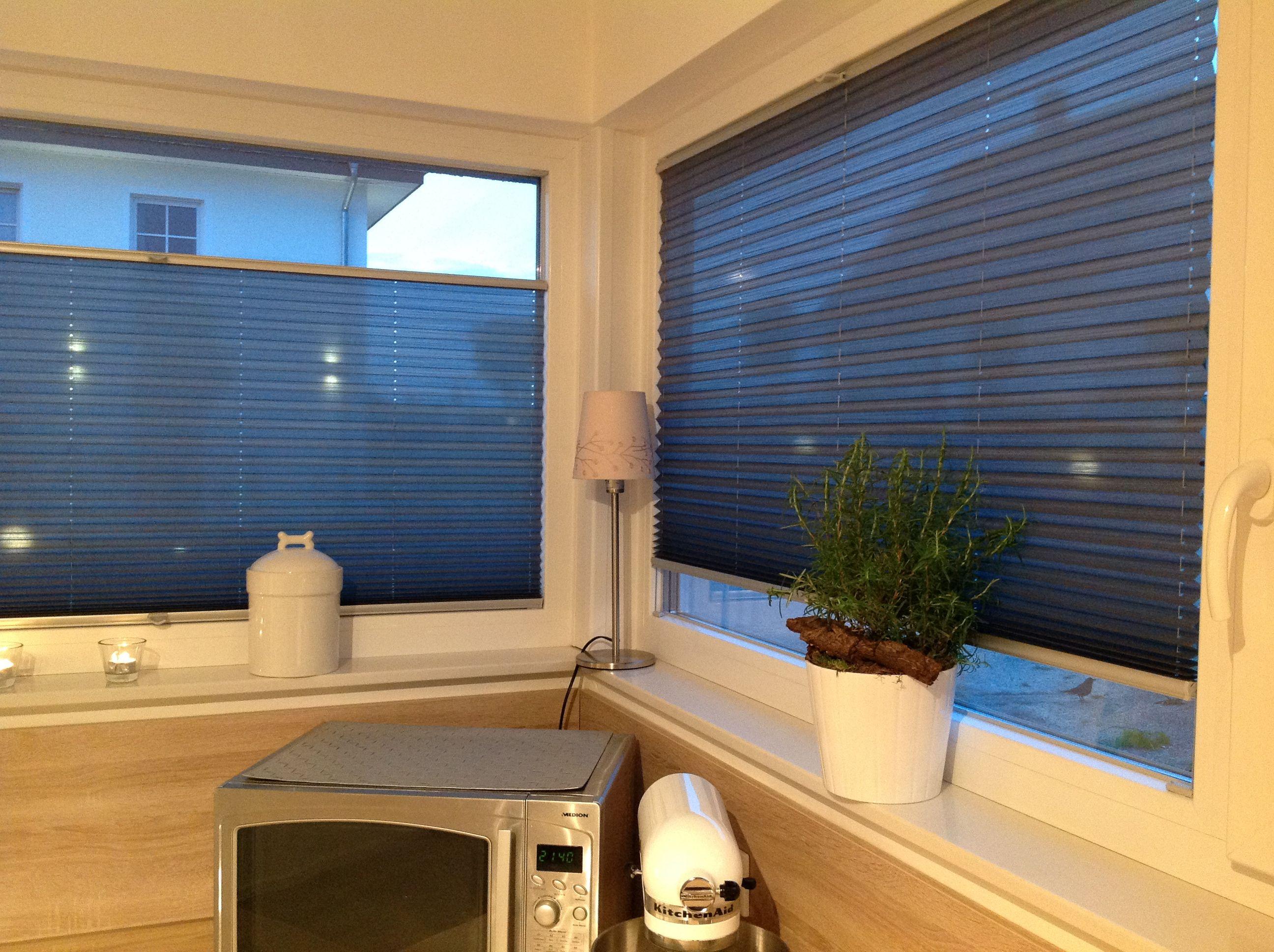 plissee k che wohnen macht euer zuhause sch ner mit unseren plissees we plissees pinterest. Black Bedroom Furniture Sets. Home Design Ideas