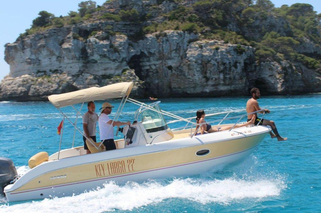 Alquiler De Barcos Charter Y Excursiones En Menorca Alquiler De Barcos Barcos De Motor Barcos
