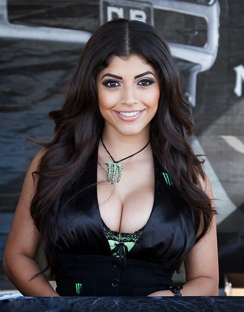 Erika Medina Nude Photos 29
