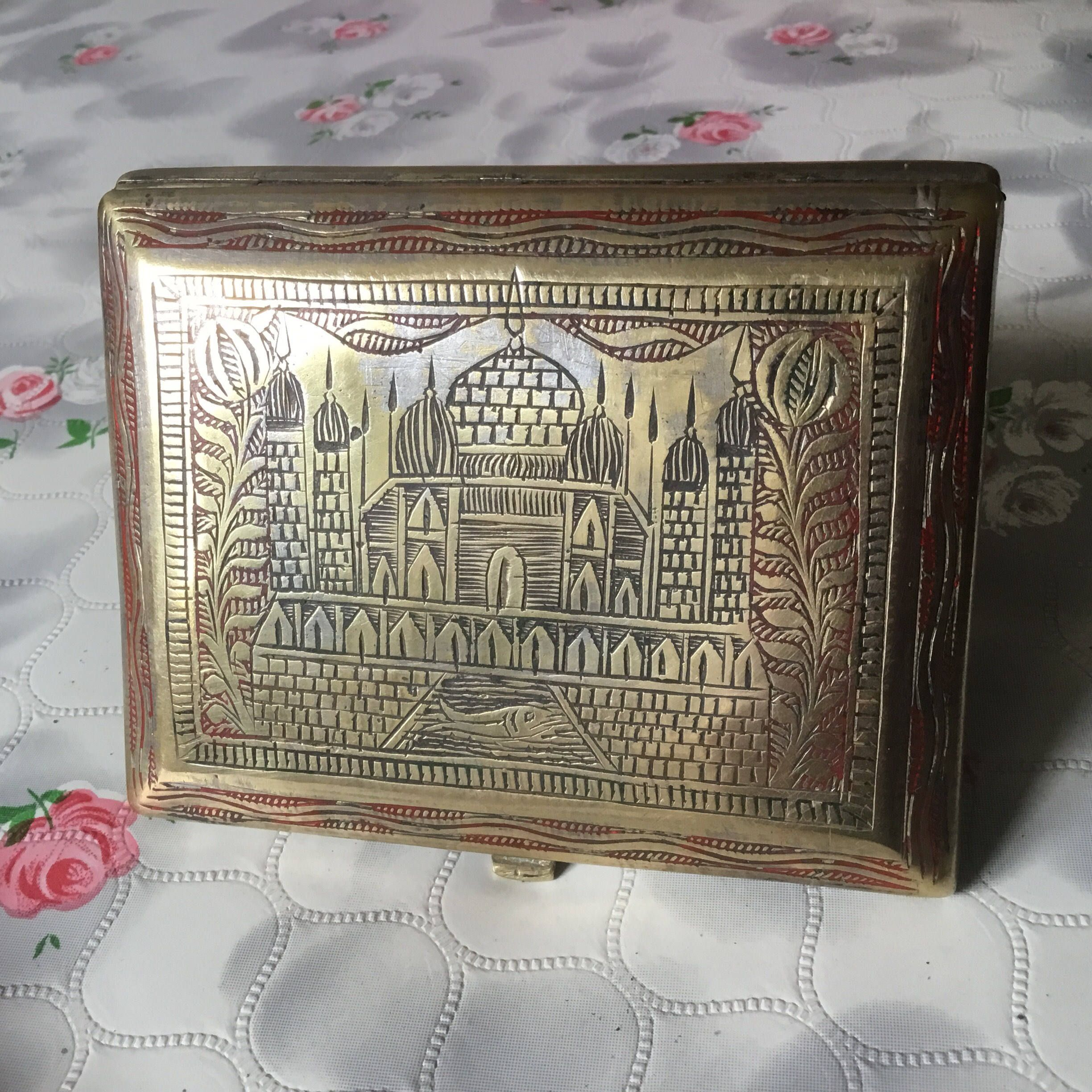 Vintage cigarette case hand engraved cigarette case taj mahal vintage cigarette case hand engraved cigarette case taj mahal souvenir cigarette case vintage colourmoves