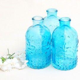 Botella de cristal tallado color azul