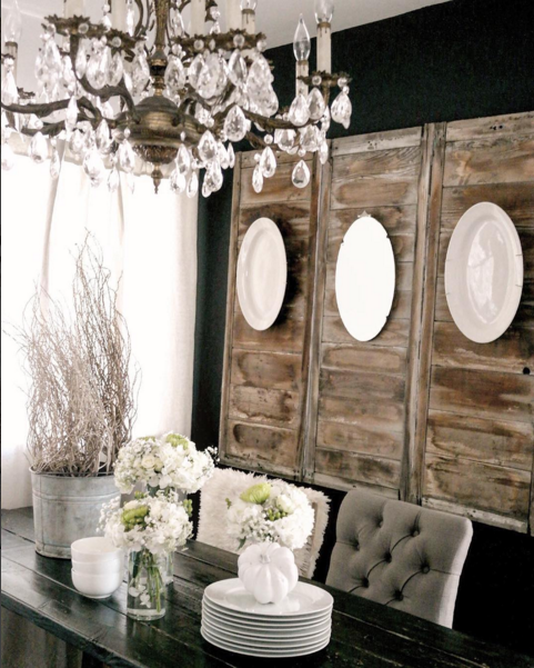 Elegant Tableware For Dining Rooms With Style: How To Decorate With Plates On A Wall