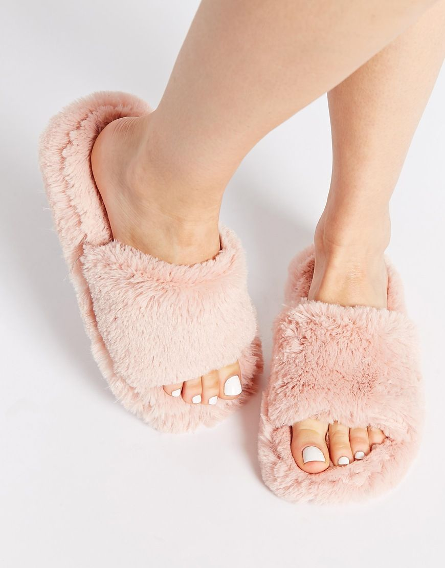 3ec365a8024e New Look Nider Pink Fluffy Slippers