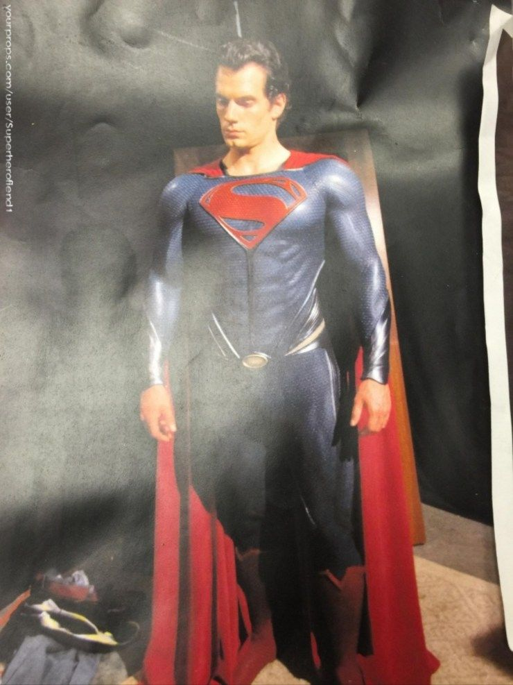 New images of henry cavill in an unused superman suit for