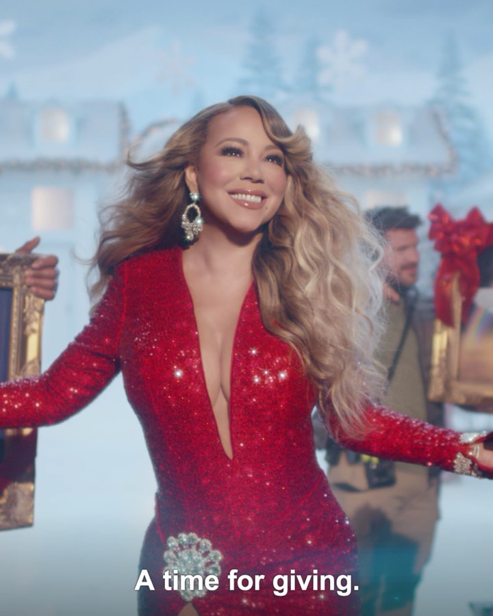Titled All I Want For Christmas Is The Beautiful People The Mashup Breaths New Light Into A Christmas Classic It Mariah Carey Christmas Mariah Carey Mariah