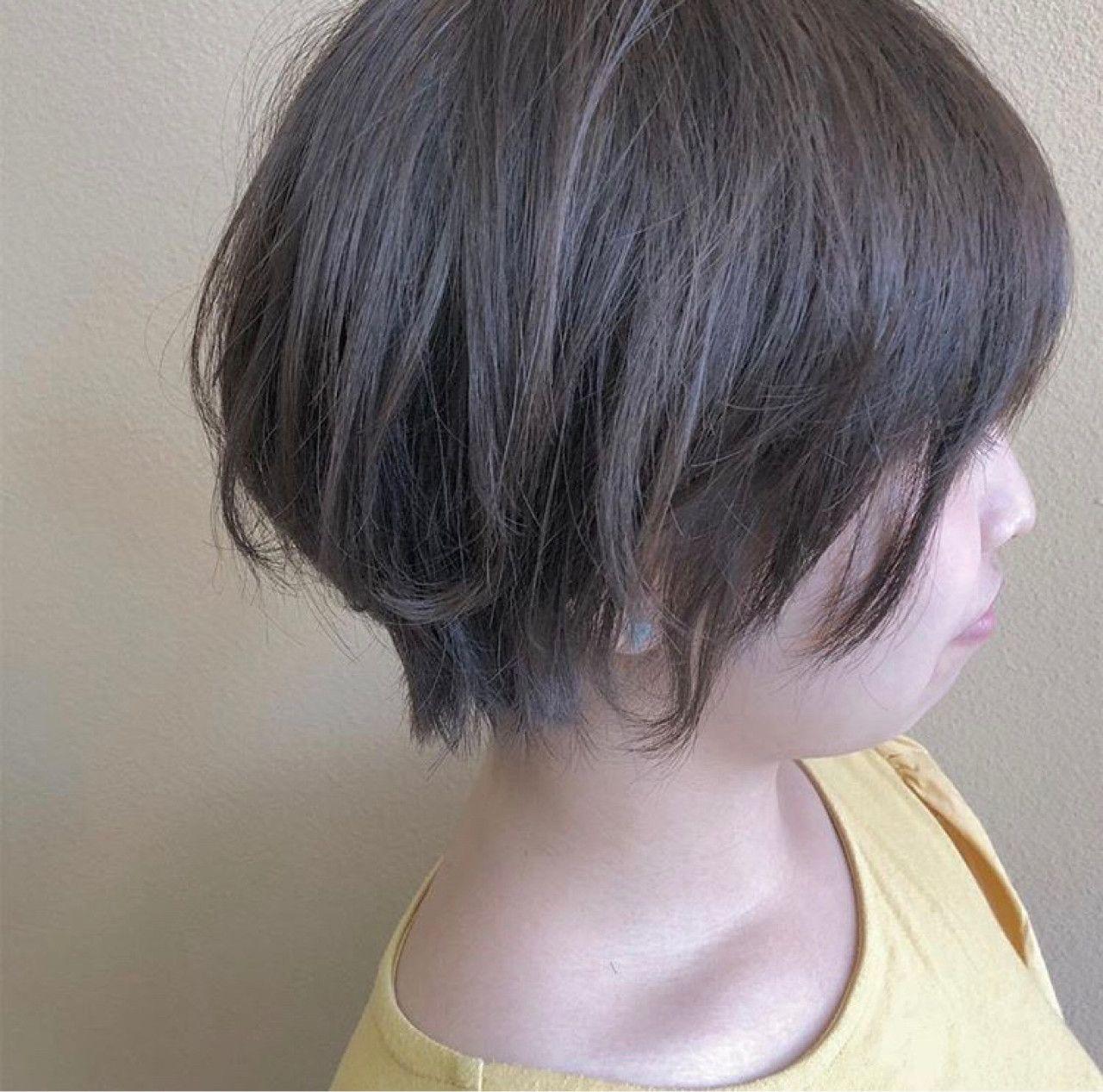 可愛くも女性らしくもあるショートヘア カラーは柔らかく見せてくれる