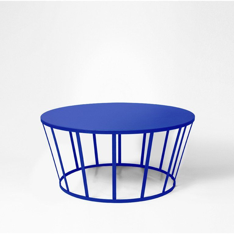 Une Table Basse Bleu Klein Tables Tables Basses Et Tables