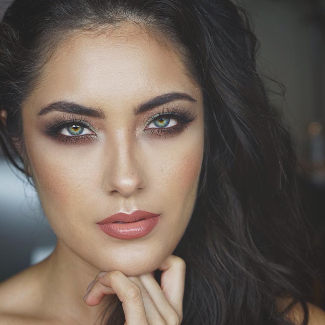 "Melissa Alatorre on Instagram: ""This lip combo @nyxcosmetics Tan-Gerine high voltage lipstick and @colourpopcosmetics Grunge lippie pencil eyes are @anastasiabeverlyhills Self-Made palette | #mua #motd #fotd #colourpopcosmetics #colourpop #nyxcosmetics #nyx #anastasiabeverlyhills #wakeupandmakeup #flutterlashes"""
