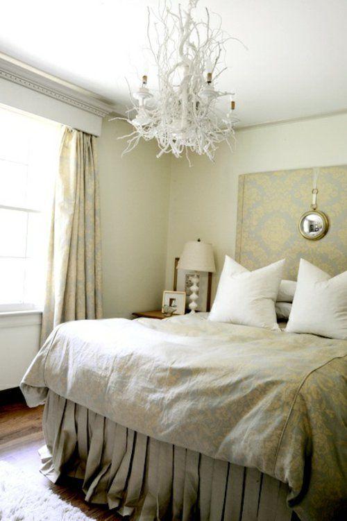 selbstgemachte Kronleuchter aus Zweigen improvisiert schlafzimmer weiß