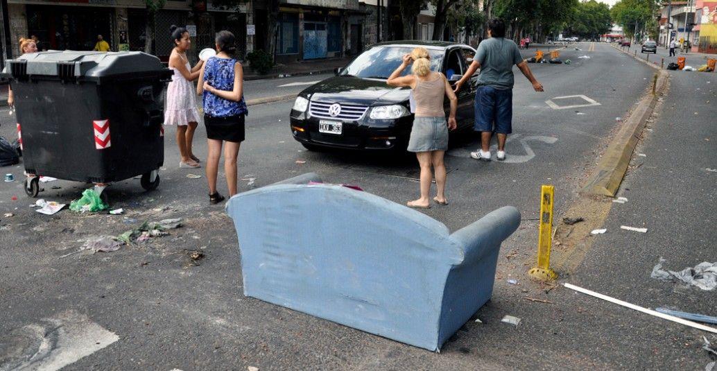 #CortesDeLuz: Vecinos cortan la Avenida Juan B Justo.