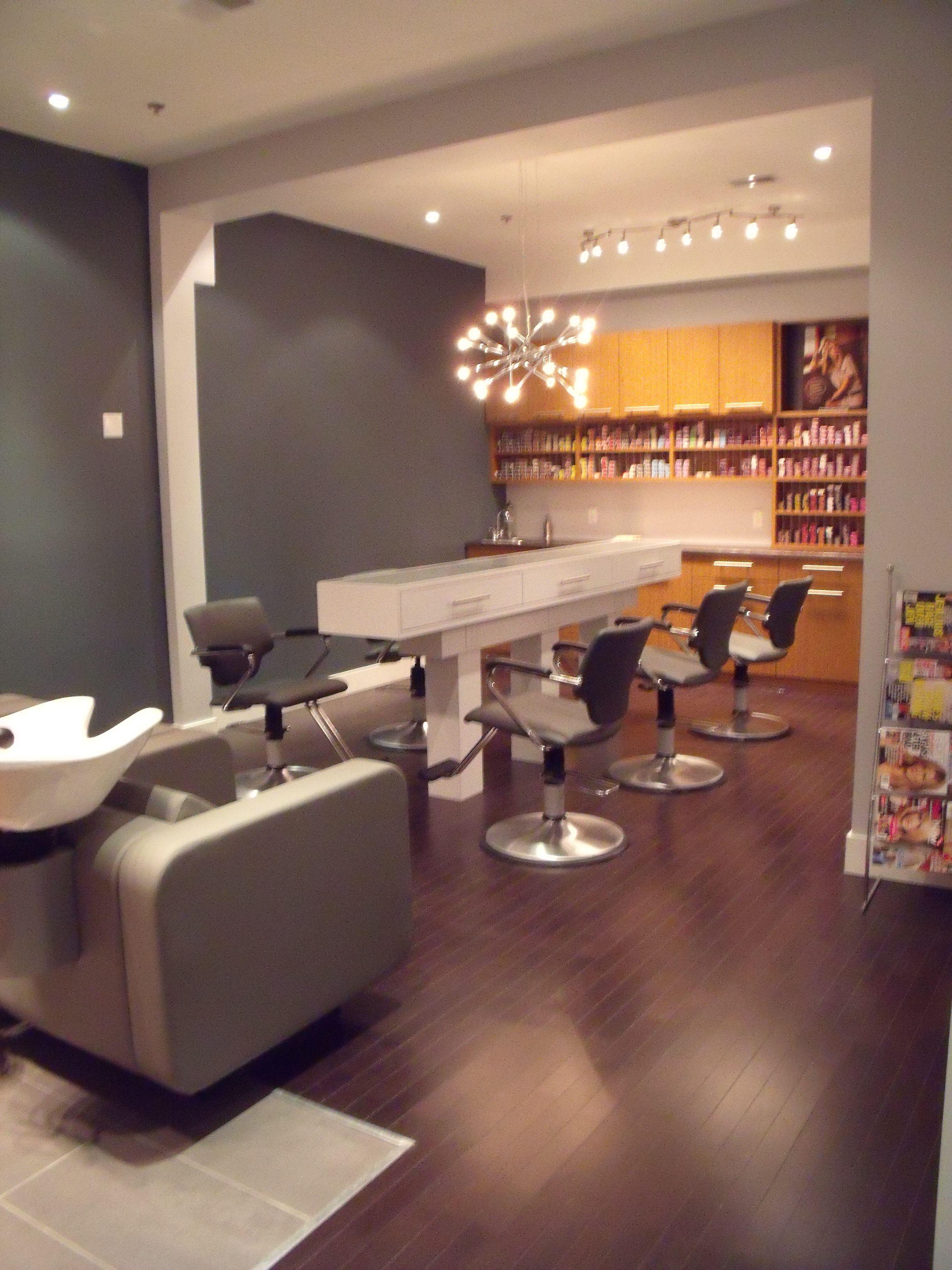 Salon Decorum Newmarket ON shampoo area