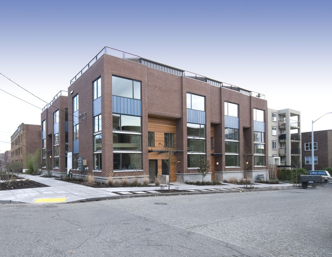 Seattle djc newspaper architecture engineering for Modern townhouse architecture