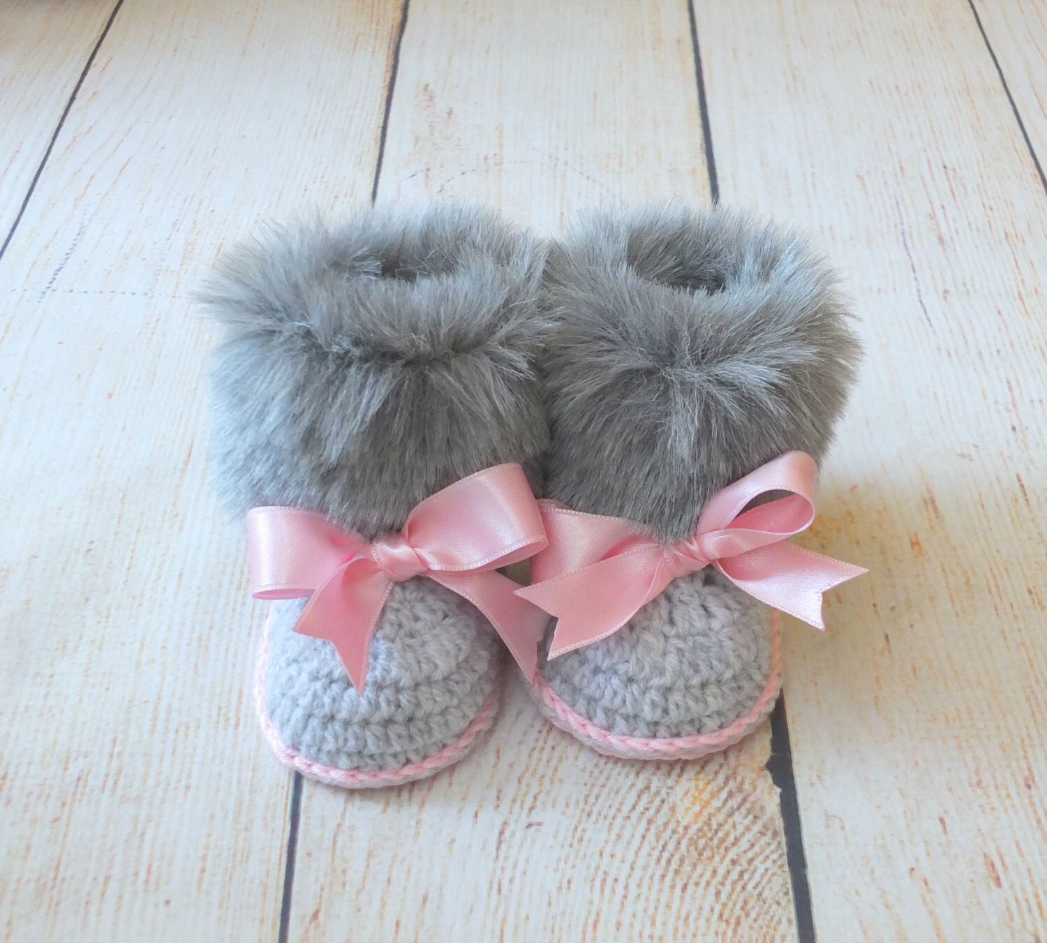 Faux fur baby girl Booties Gray and pink Newborn winter Boots