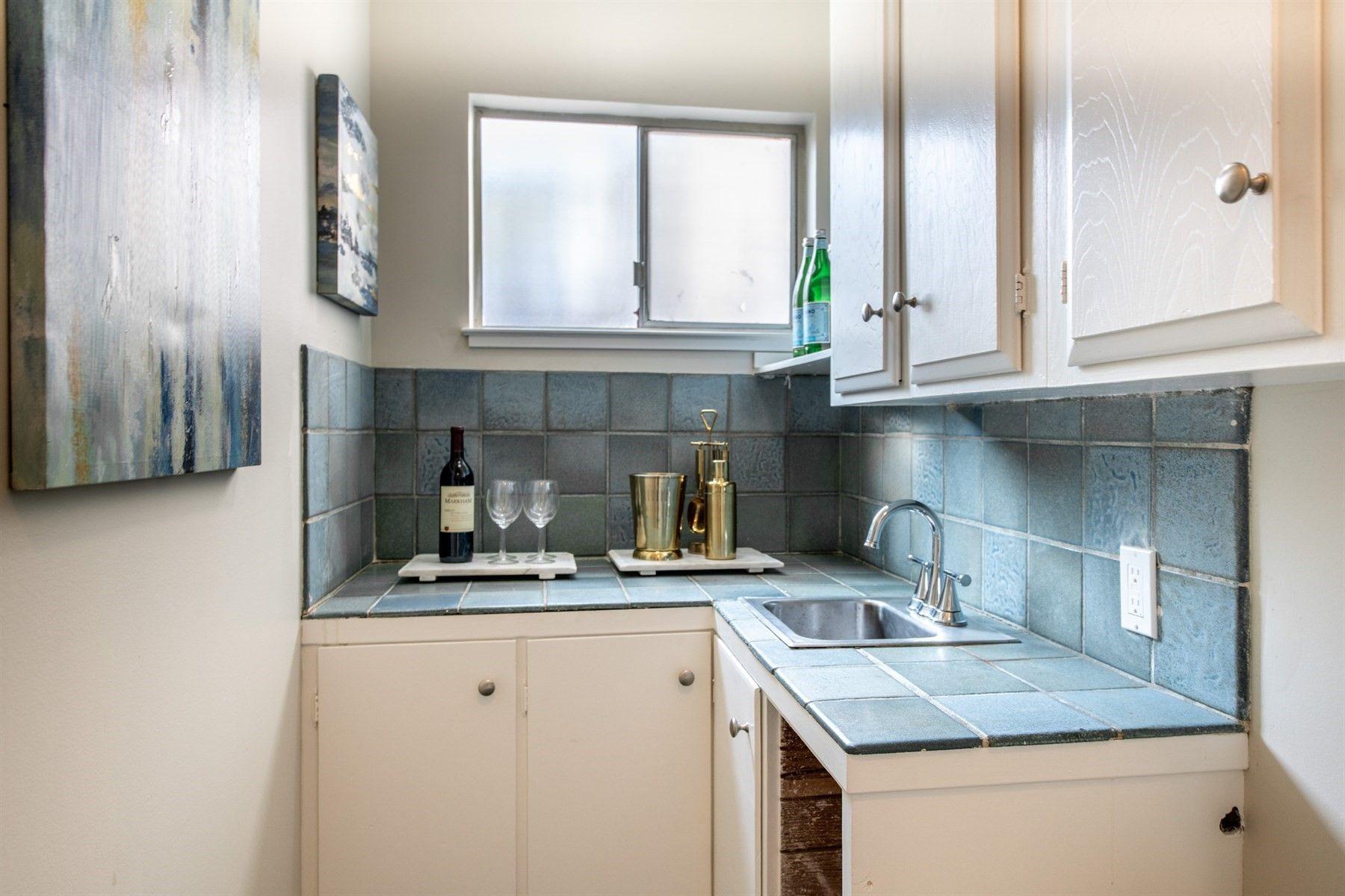 779 Sequoia Ave San Mateo Ca 94403 Kitchen Cabinets Home Decor San Mateo