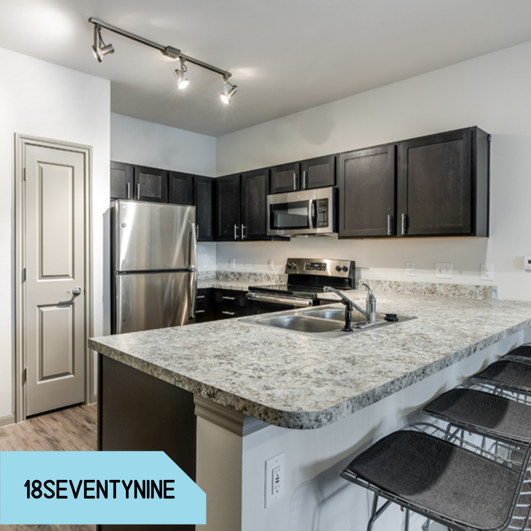 Can You Get An Apartment At 18 In Texas Property Spotlight This Kitchen Is To Die For Look How Gorgeous These Student Apartments Are This K With Images Student Apartment Apartment Management Student House