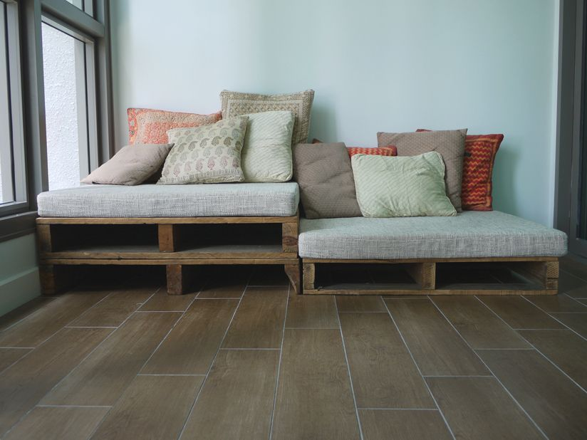 The great indoors rustic pallet sofa contacted the owner - Sofa de pallet ...