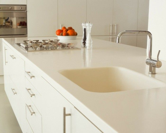 Küchenarbeitsplatten Moderne Weiße Kücheninsel Mit Spüle Und Kochfeld