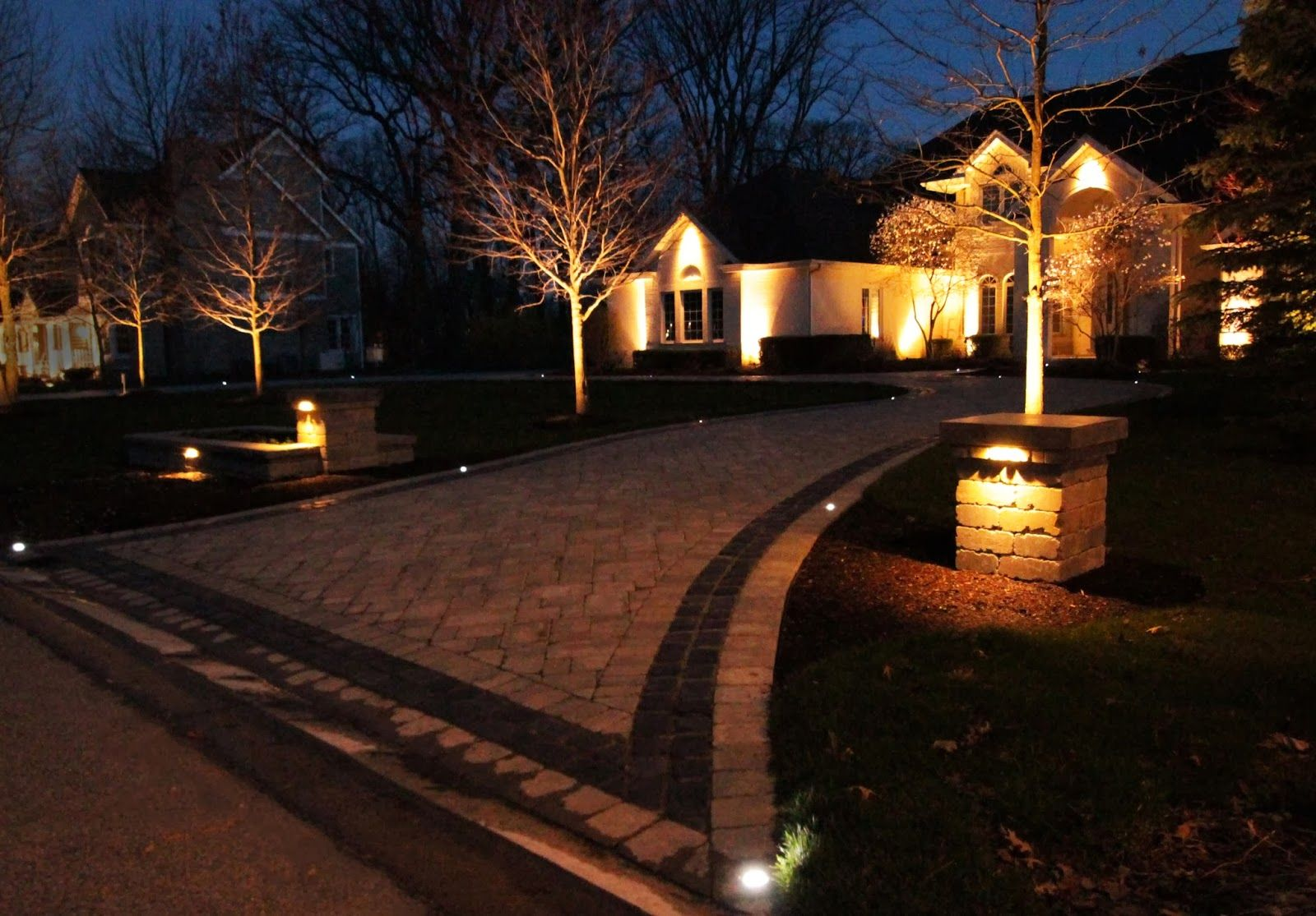 Landscape Lighting In 2020 Driveway Lighting Led Landscape Lighting Volt Landscape Lighting