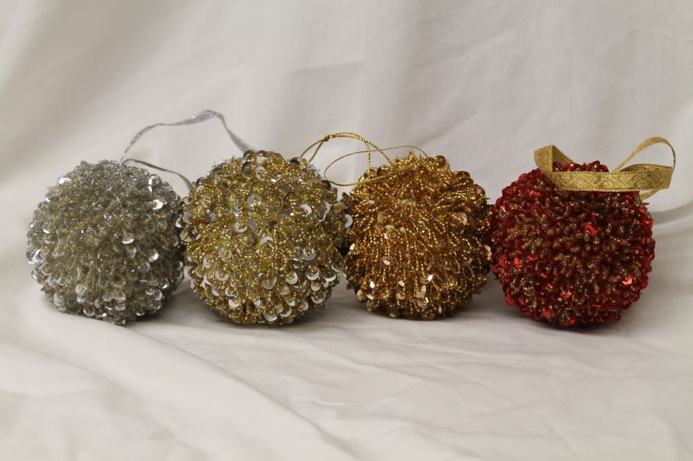 Details about Lot of 4 Vintage SEQUIN and BEAD CHRISTMAS ORNAMENTS