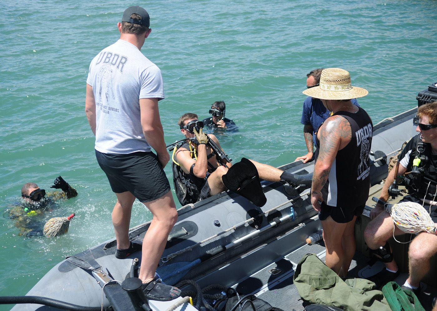 U.S. Navy and Royal Australian Navy divers prepare to conduct ...