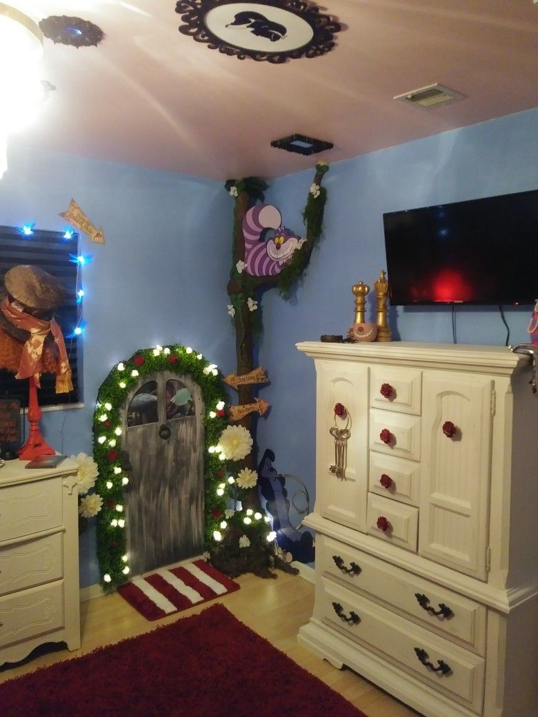 Alice In Wonderland Themed Bedroom My Husband And I Created