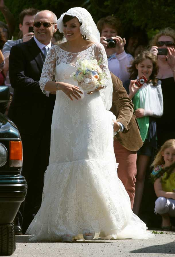 Lily Allen in Lace Wedding Dress with 3 4 Sleeves | Celebrities ...