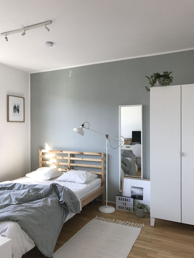 34 Small Bedroom Ideas To Make Your Home Look Bigger Soft Bedroom Decorating Ideas Shabby Luxury Bedroom Decor Luxurious Bedrooms Small Bedroom Interior