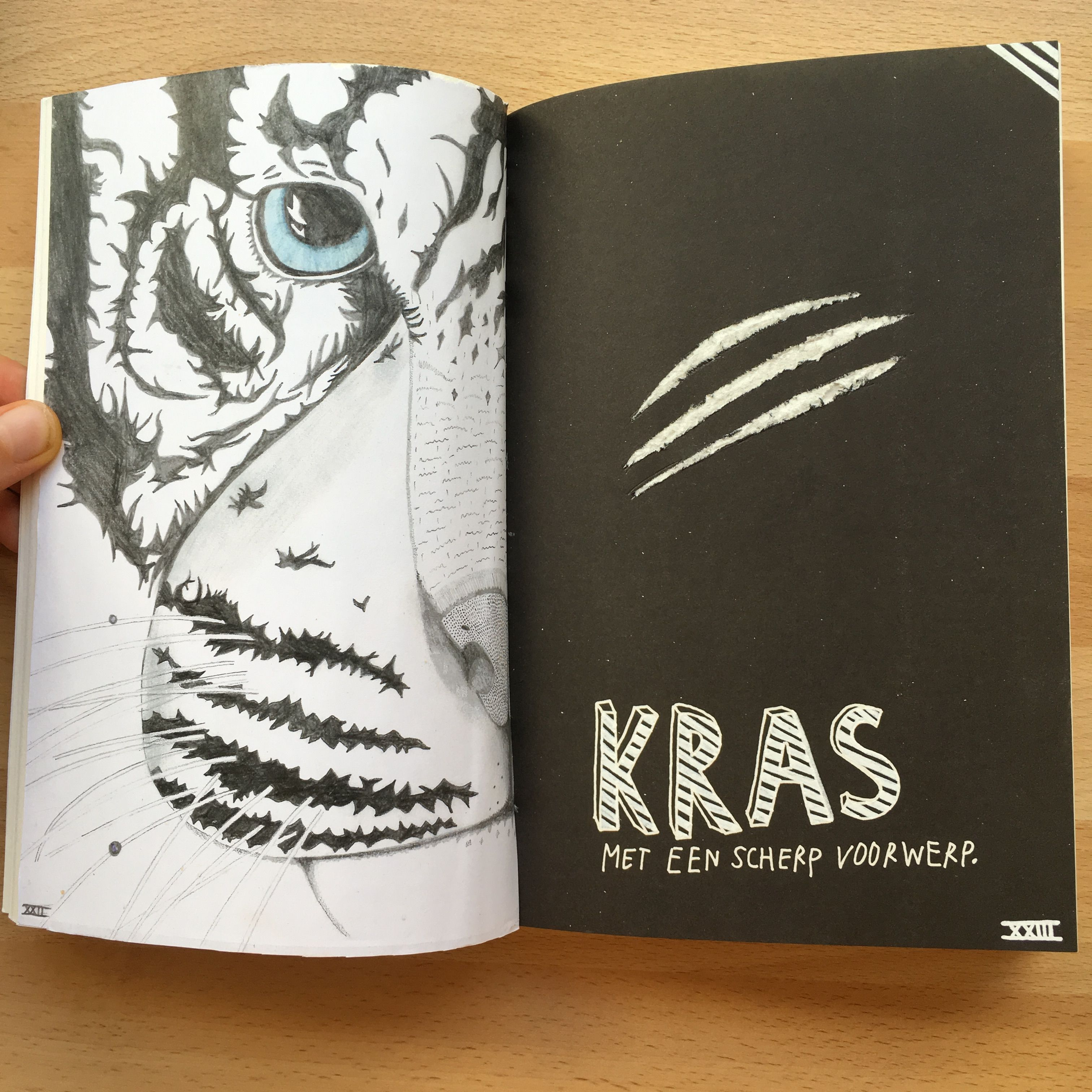 Wreck this journal scratch using a sharp object kras met een scherp voorwerp tiger tijger