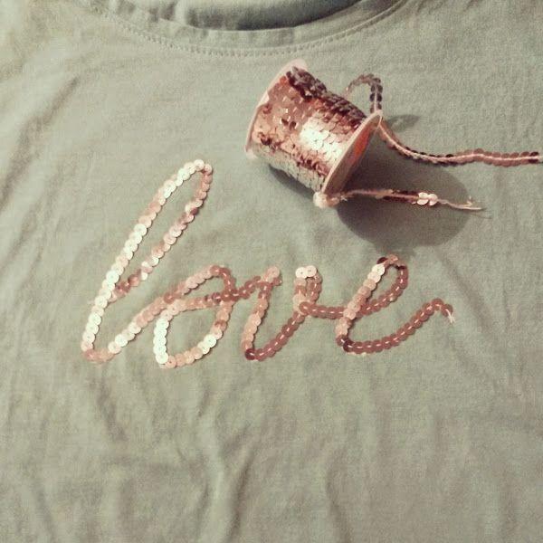 Cómo decorar una camiseta con cintas de lentejuelas. ¡Quien dice camiseta aeef38ec7e25c